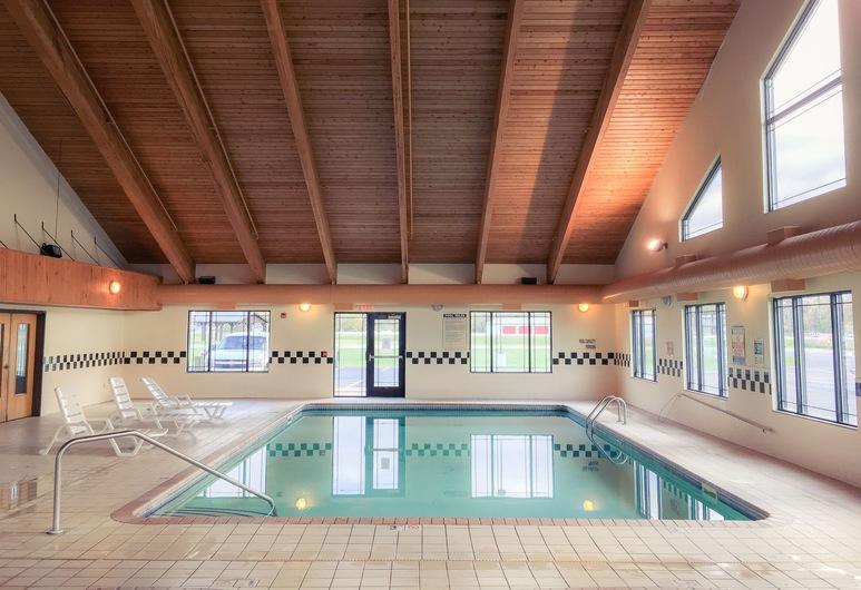 White Oak Inn & Suites, Deer River, Kolam