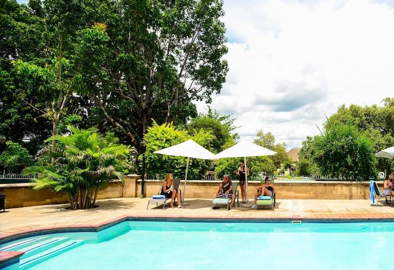 The N1 Hotel & Campsite Victoria Falls, Victoria Falls, Pool