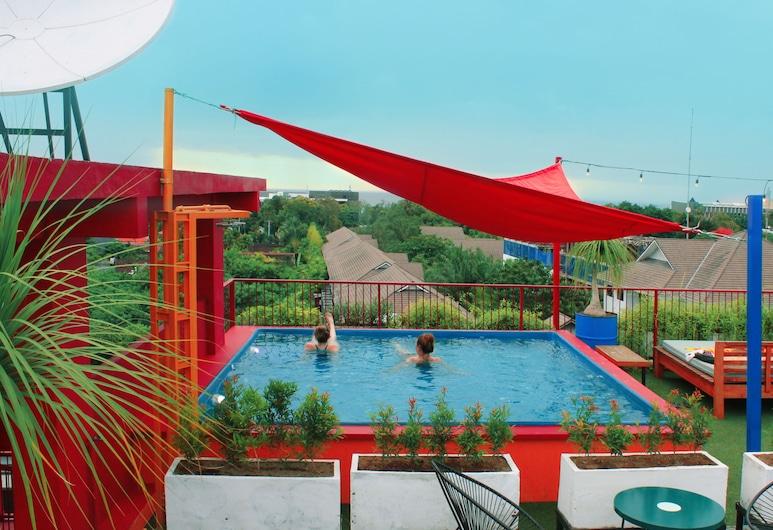 Dash Hotel Seminyak, Seminyak, Bazén na streche