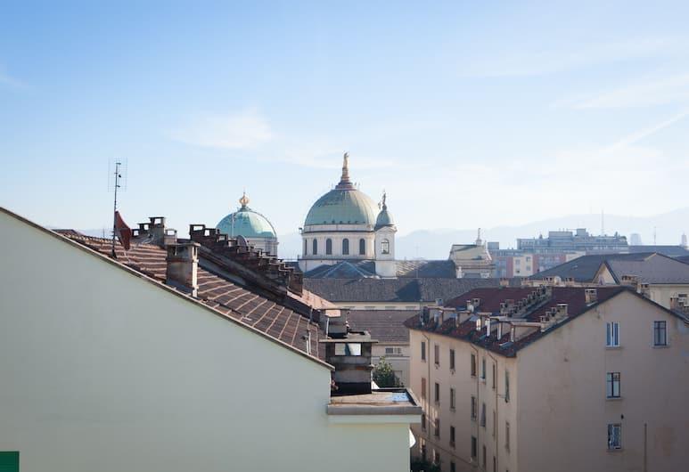 Portmanteau, Torino, Esterni