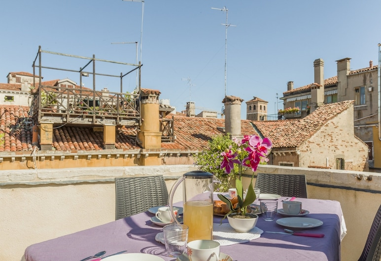 Rialto Deluxe Apartments, Venice, Deluxe Apartment, 2 Bedrooms (Apt 2 Check-in is at Santa Croce 515), Room
