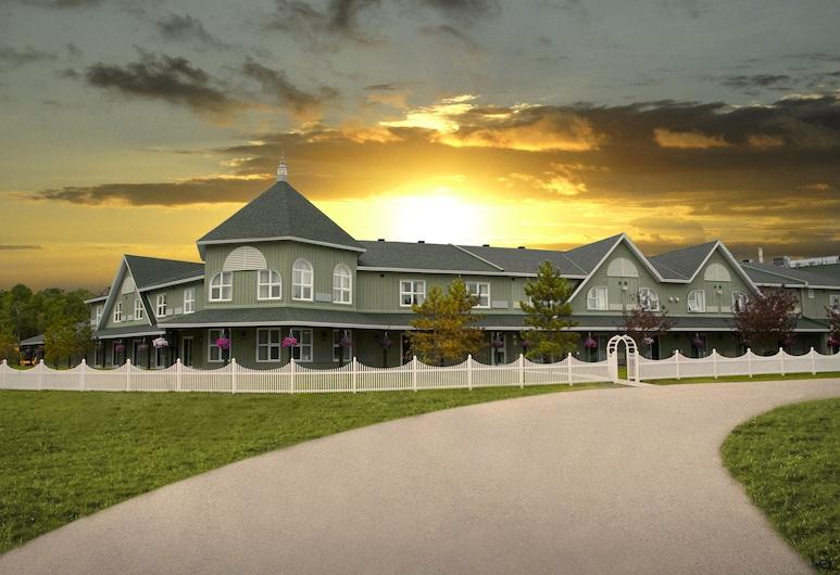 Cedar Meadows Resort & Spa, Timmins, Wejście do hotelu