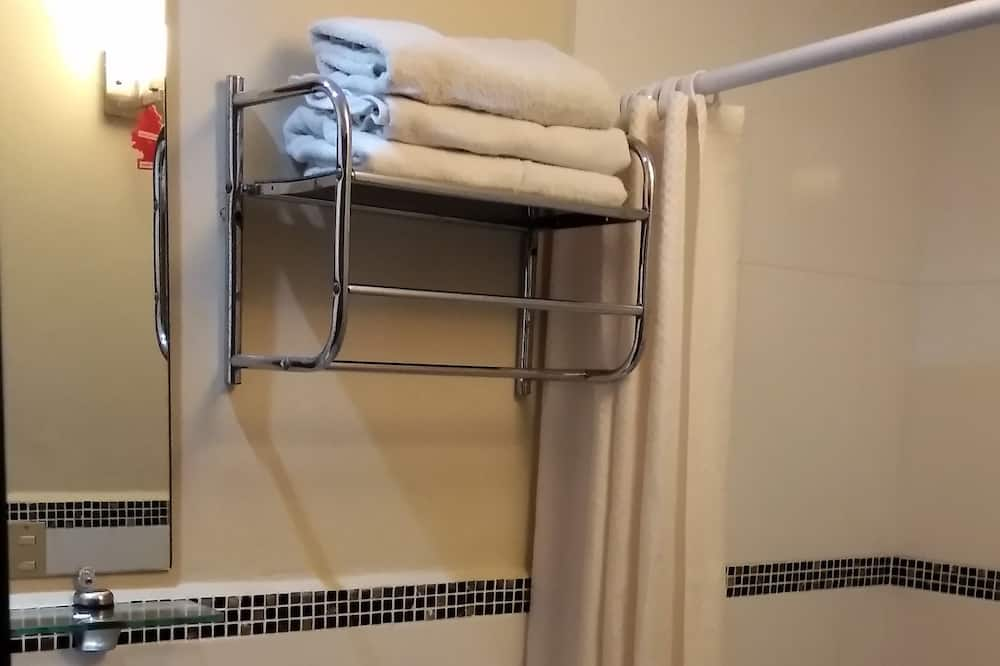 Family Double Room, 2 Bedrooms - Bathroom