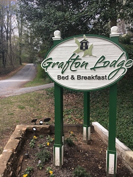 Picture of The Grafton Lodge in Lake Lure