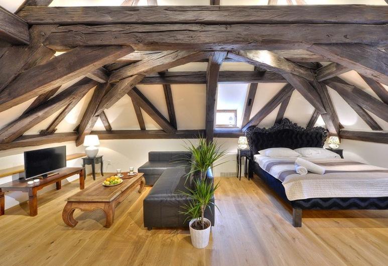 Old Town Boutique Apartments, Прага, Студія категорії «Superior», 1 ліжко «кінг-сайз», міні-кухня, внутрішній дворик, Житлова площа