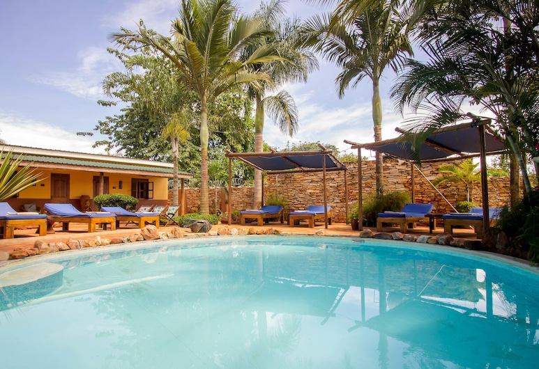 2 Friends Guest House, Jinja, Outdoor Pool