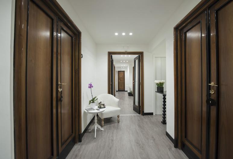 諾比卡薩套房酒店, 羅馬, 走廊