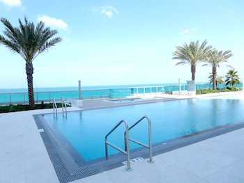 Picture of Global Luxury Suites at Monte Carlo in Miami Beach