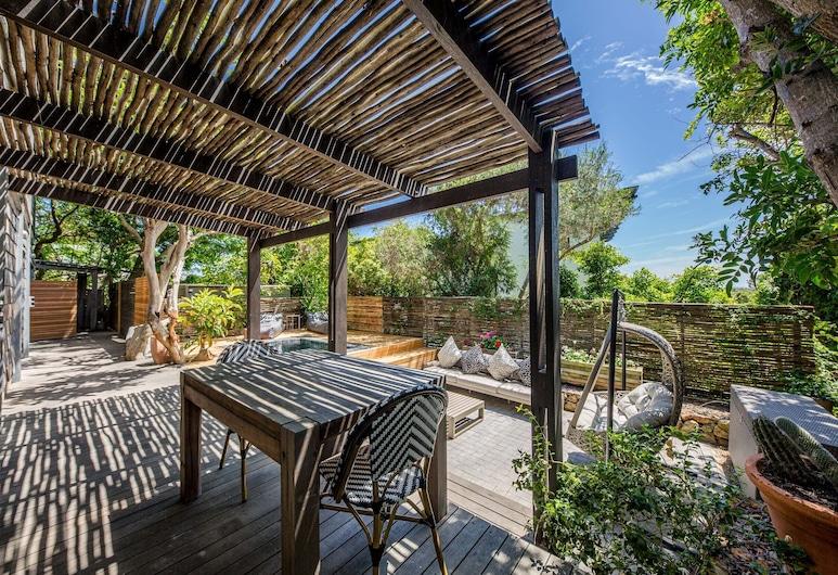 17 Geneva - Lower, Cape Town, Apartment, 1 Bedroom, Terrace/Patio