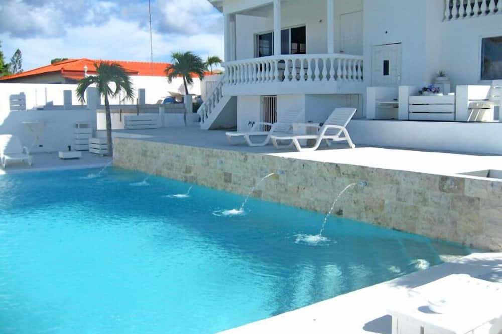 """Hồ bơi """"vô cực"""""""