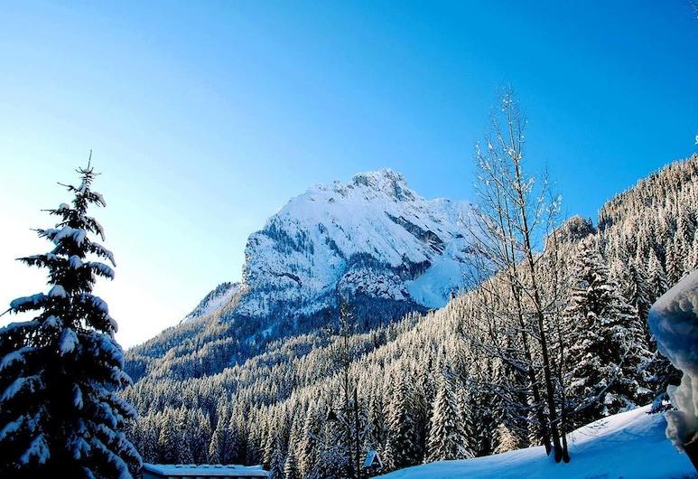 AppartHotel Cirelle Suite&Spa, Canazei, Vista a la montaña