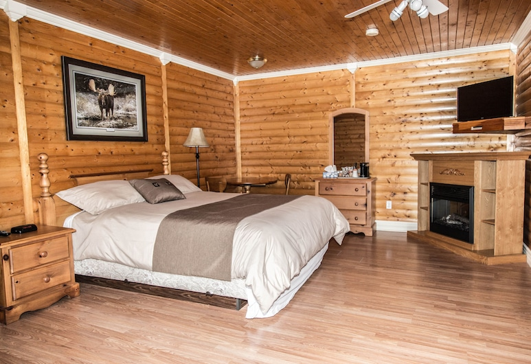 Burnt Cape Cabins & Viking Lodge, Raleigh, Honeymoon Suite, Room
