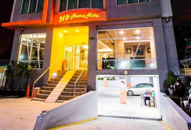 24@Home Hotel, Pak Kret