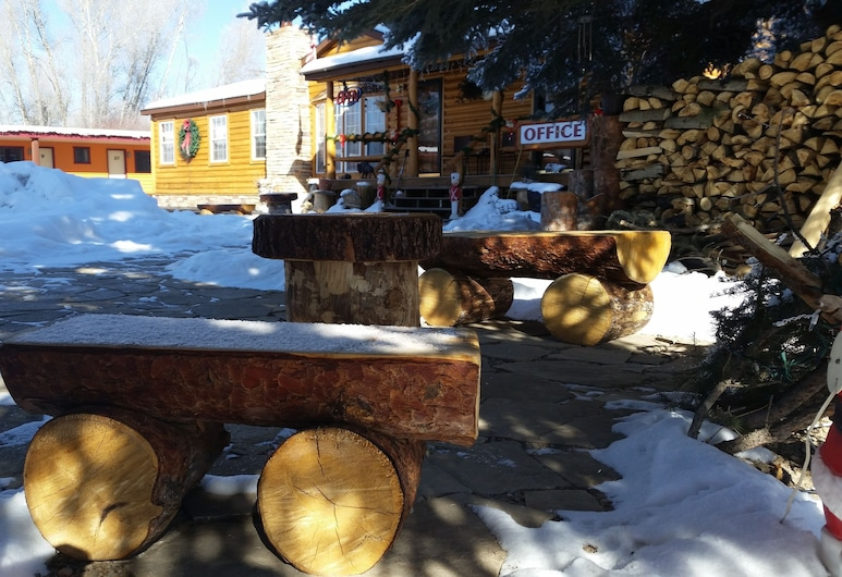Long Holiday Motel, Gunnison, Teren przynależny do obiektu