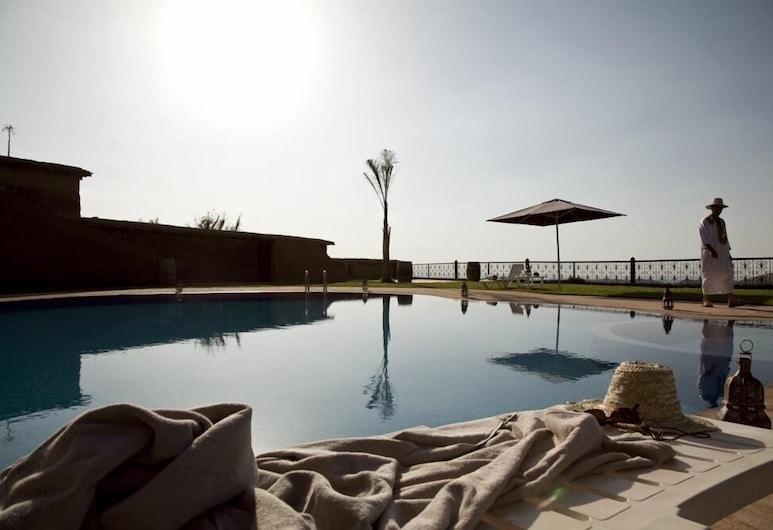 伊莉卡斯巴飯店, 提夫尼, 室外游泳池