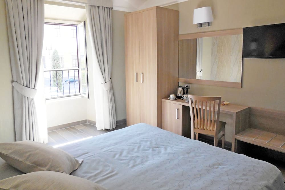 Apartment, 2 Bedrooms (Piazza San Giovanni in Laterano 26) - Guest Room