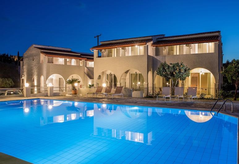 多米諾斯公寓酒店, 科孚島