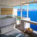 Aether Suite with Outdoor heated Jacuzzi & Caldera View - Balkon
