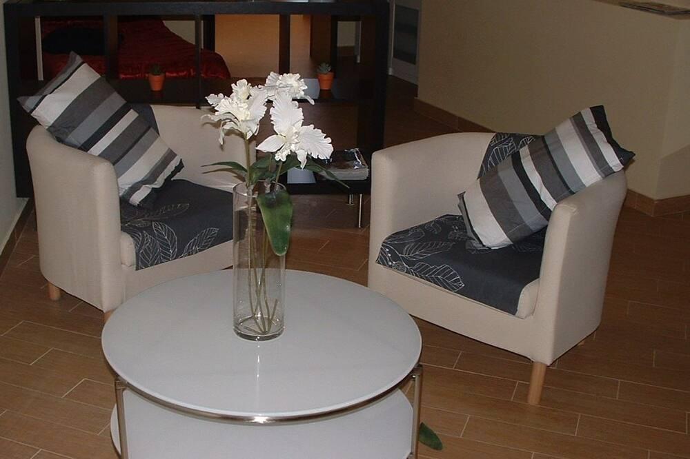 Четырехместный номер - Зона гостиной