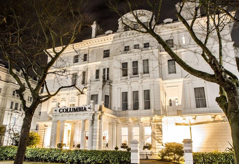 컬럼비아 호텔, 런던, 호텔 정면 - 저녁/밤