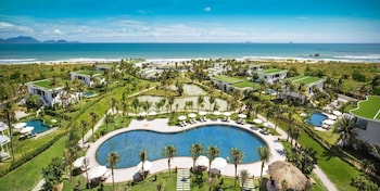 תמונה של Cam Ranh Riviera Beach Resort & Spa בקאם לאם