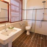 Superieure - Bathroom