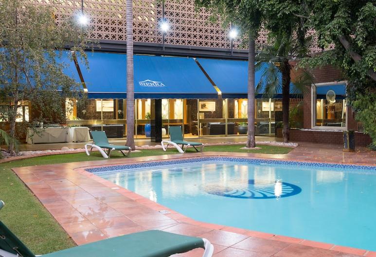 Sierra Burgers Park Hotel, Pretoria, Outdoor Pool