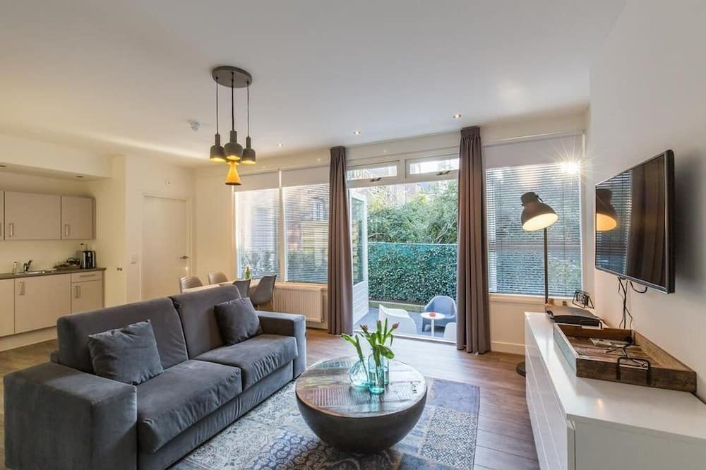 Apartment (Ground Floor + Terrace) - Room