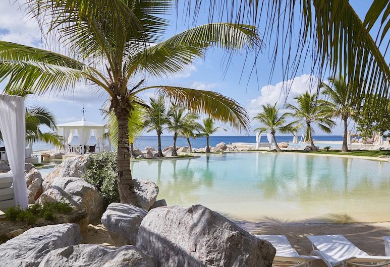 Tracadero Beach Resort, San Rafael del Yuma, Inngangsparti