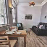 City Apartment, 1 Bedroom - In-Room Dining