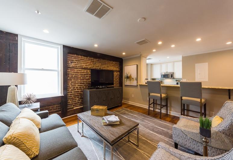 The Quarters on King, Charleston, Two Bedroom Loft - 302, Living Area