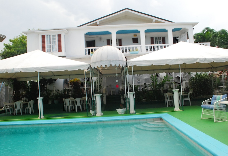 Hunter's Rest Villa, Tower Isle, Hotellentré