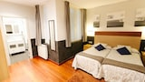 Choose this Pension in San Sebastian - Online Room Reservations