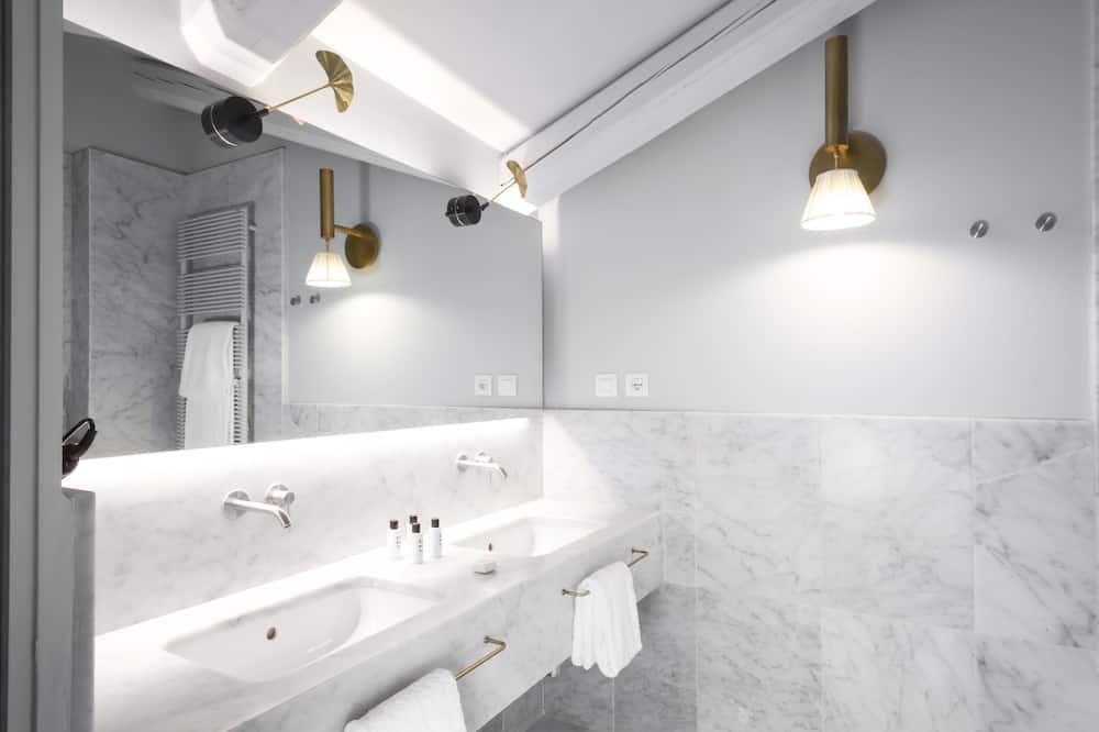 Junior Suite, Terrace, City View - Bathroom