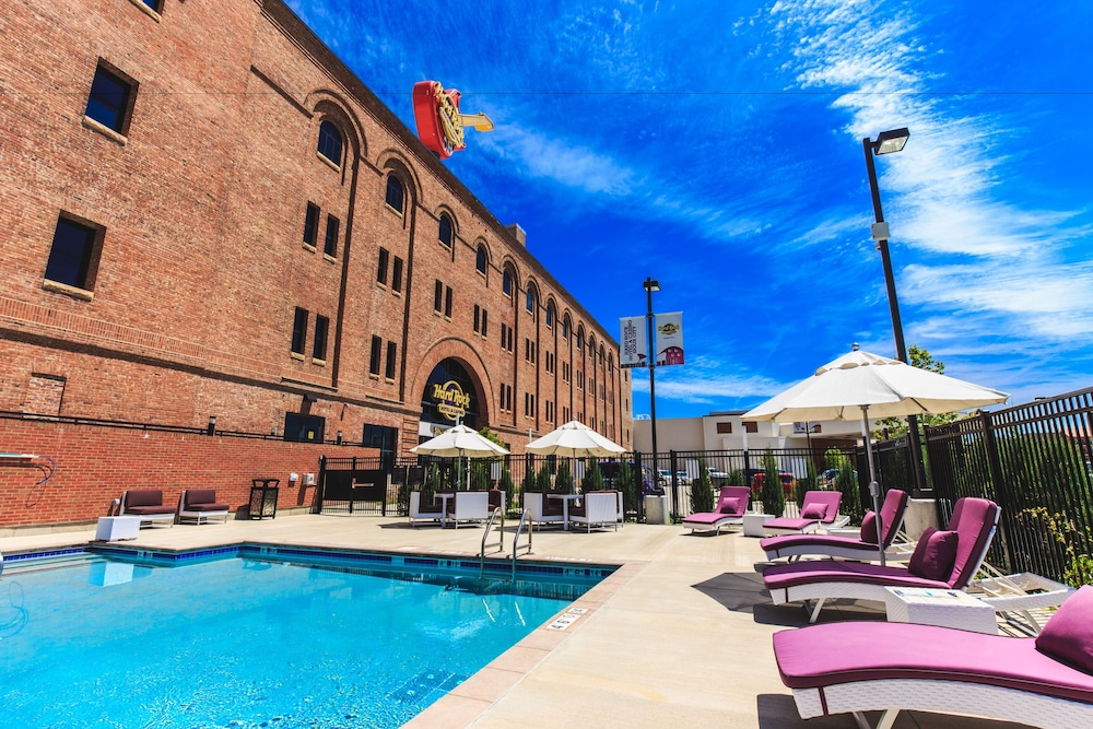 Hard Rock Hotel Sioux City Outdoor Pool