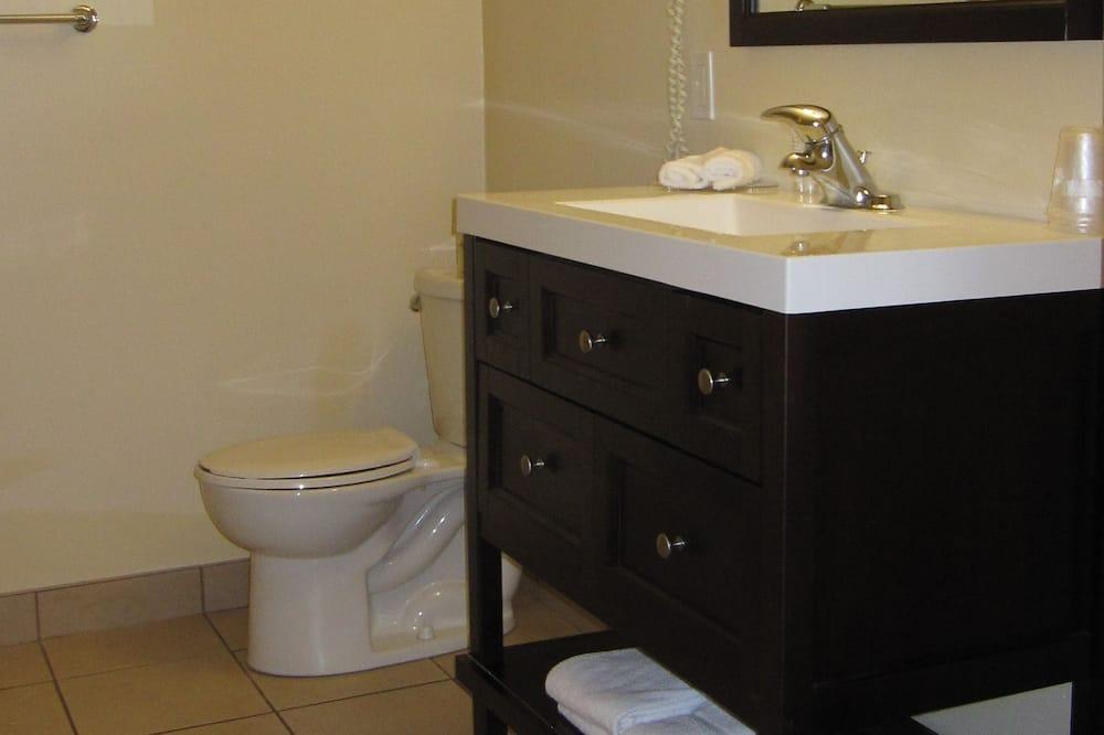 Suite, 2 bračna kreveta, kuhinja - Umivaonik u kupaonici