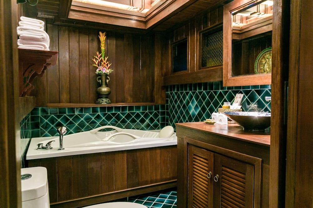 Namton Deluxe with bathtub - حمّام
