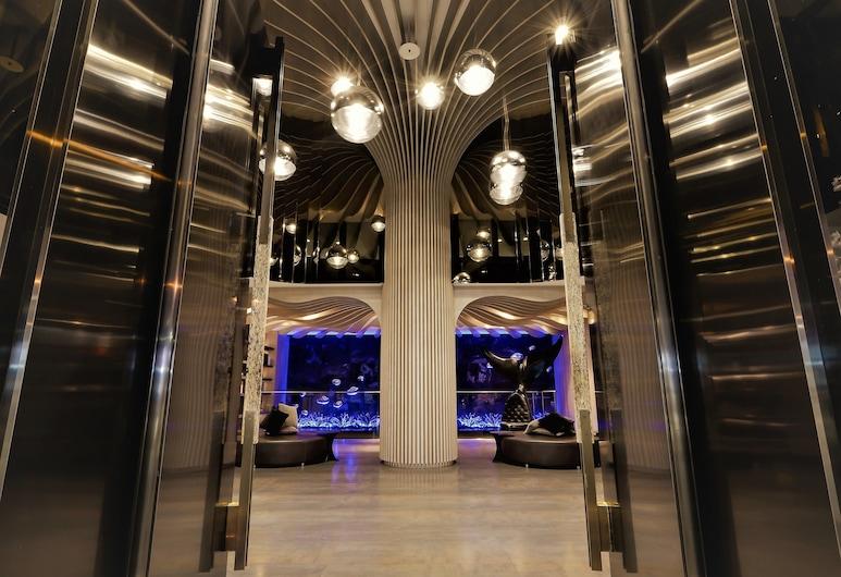 喜達絲飯店, 高雄市, 入口