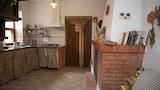 Choose This Cheap Hotel in Pisciotta