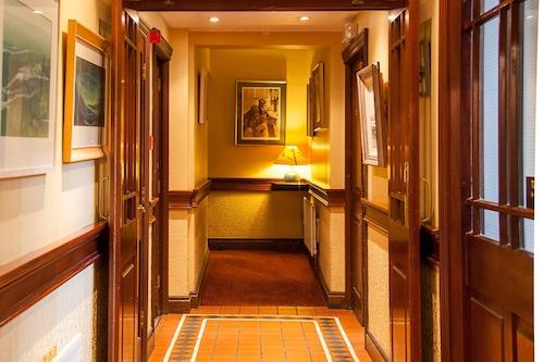 埃爾登餐廳酒店/