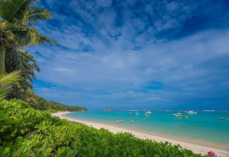 Les Pieds dans l'eau, האי מאהה, חוף ים