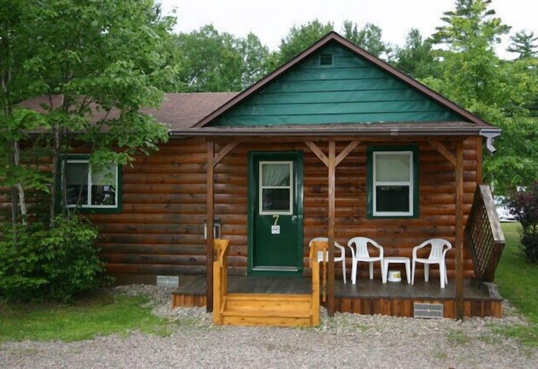 Spectacle Lake Lodge, South Algonquin, Standard Cottage, 2 Bedrooms, Kitchen, Lake View, Room