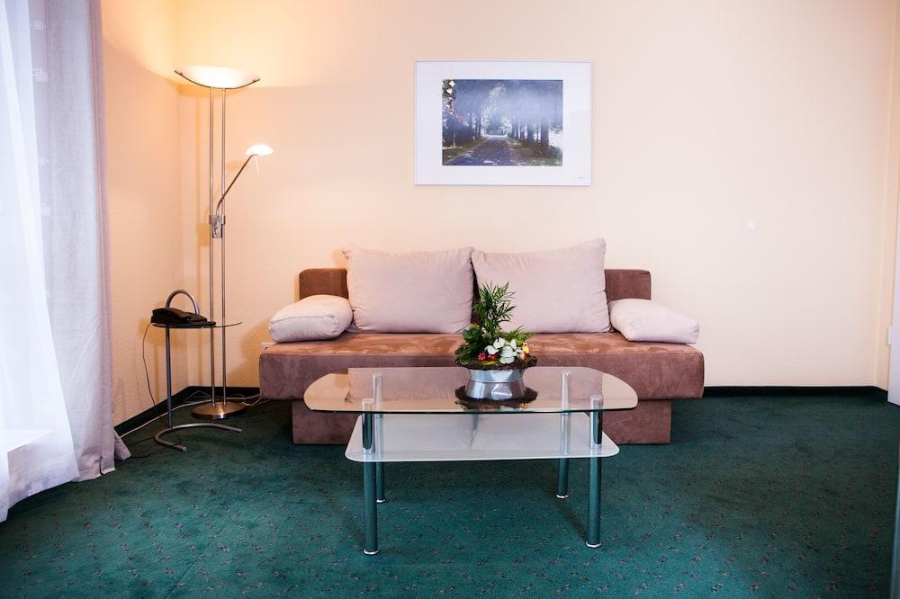 Studio, Non Smoking, Kitchenette - Living Area