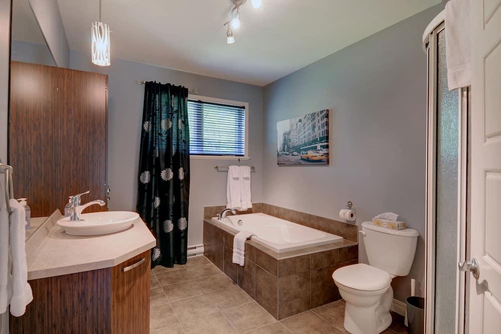 คอทเทจ, 4 ห้องนอน - ห้องน้ำ