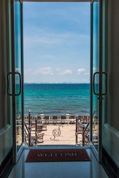 Mynd af Suntosa Resort í Koh Lan