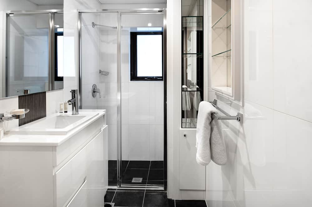 One Bedroom Apartment - Badkamer