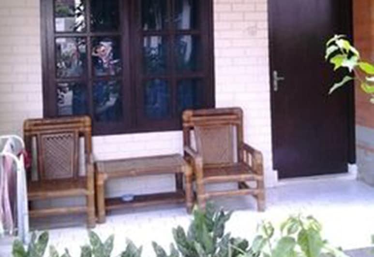 Mahendra Beach Inn, Kuta, Phòng cơ bản (Fan Room), Sân thượng/sân hiên