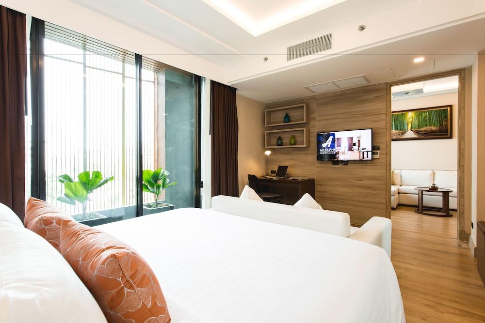 Adelphi Forty-Nine, Bangkok