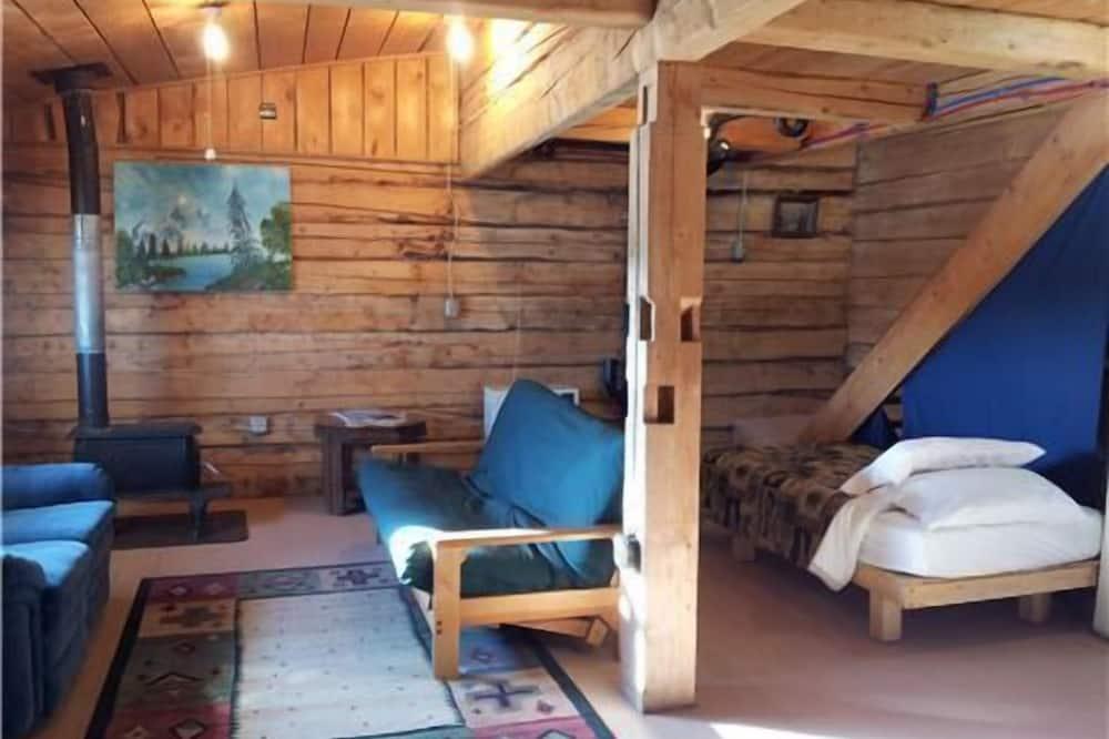 Kulübe, 1 Büyük (Queen) Boy Yatak ve Çekyat, Mutfak - Oturma Alanı