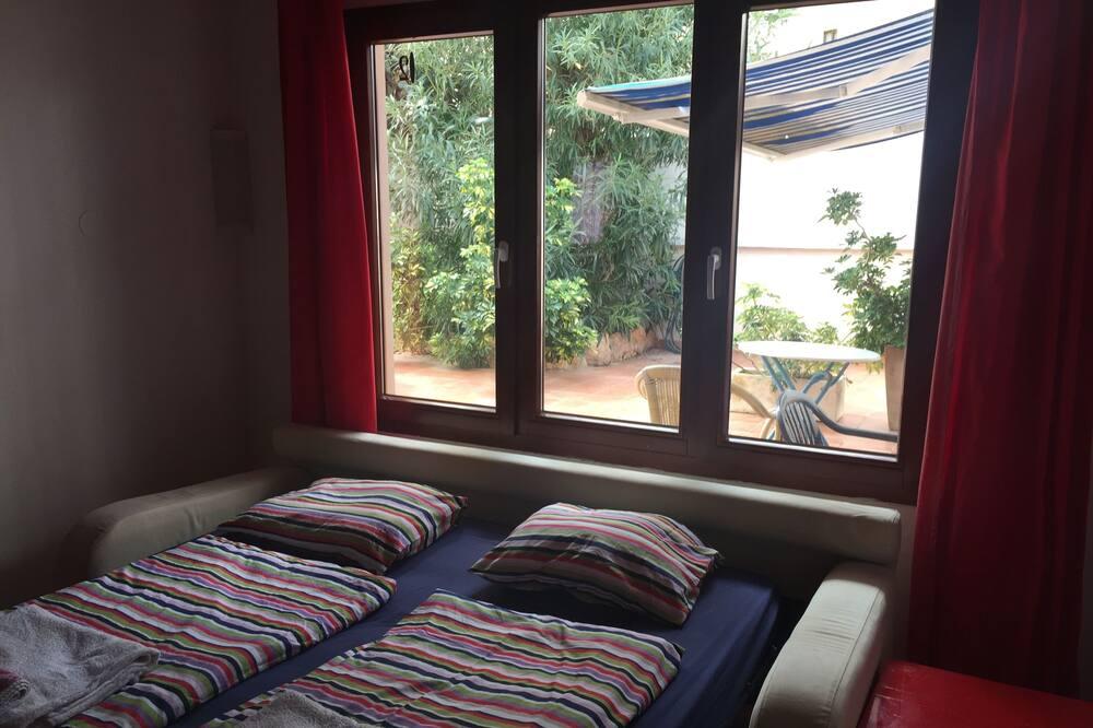 Standard Apartment, 1 Bedroom, Kitchen, Beachfront - Ruang Tamu